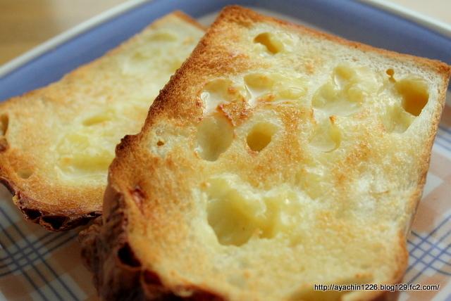 18.02.15チーズ食パン1