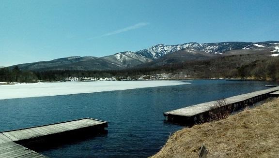 バラギ湖よりの四阿山です。