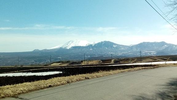 サッカーグランドよりの浅間山です