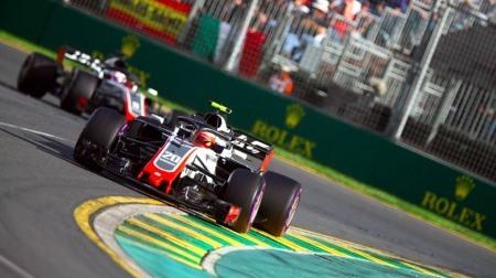 F1オーストラリアGP:ハースはピットミスでWリタイア・罰金となるもドラマの引き金に
