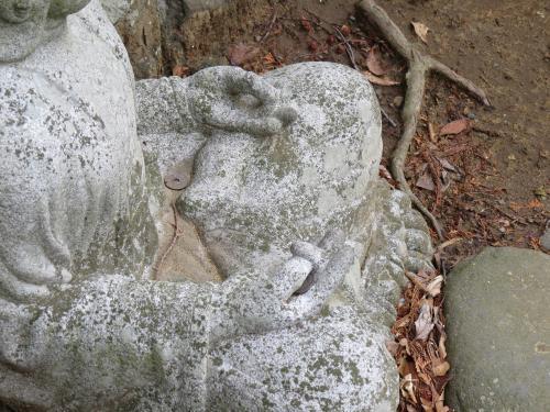 成田山石仏-56