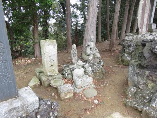 成田山石仏-60