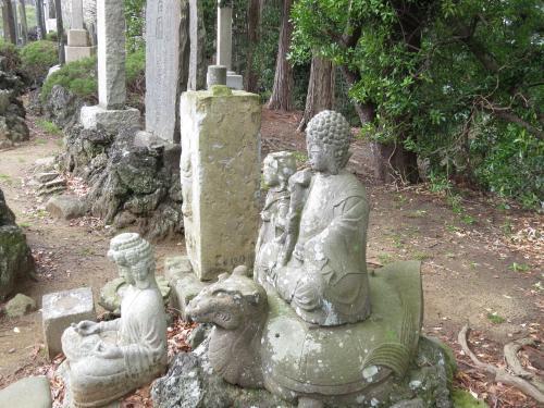 成田山石仏-61