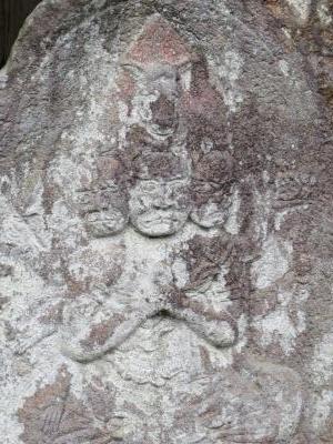 成田山石仏-72