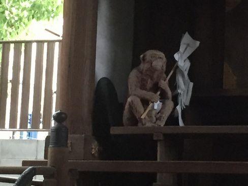 猿田彦神社・猿の木像_H29.06.27撮影