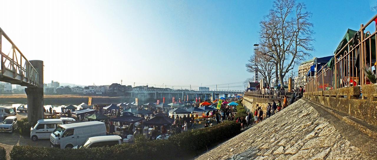 20180304 三月晴れの日の京橋朝市会場ワイド風景 (1)