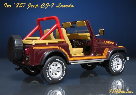 Ixo_Jeep_CJ-7_04.jpg