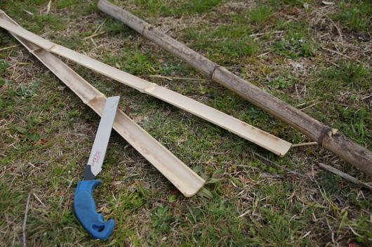 育苗ポット用可動型ビニールトンネル試作 竹割