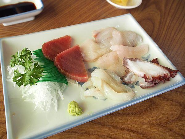 新鮮なさしみ@鈴屋食堂