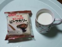 2/13 間食 スナックサンドとホットミルク