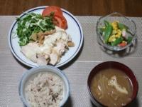 2/13 夕食 鶏のしっとり煮、スナップエンドウのサラダ、もやしと油揚げの味噌汁