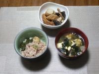 2/14 夕食 煮物、海鮮丼、豆腐とわかめの味噌汁