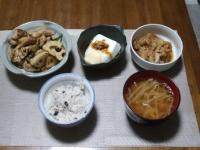 2/15 夕食 豚肉とレンコンのポン酢炒め、温奴、白菜と油揚げのさっと煮、もやしと油揚げの味噌汁、雑穀ご飯