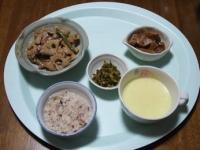 2/16 夕食 豚肉とレンコンのポン酢炒め、ごま高菜、白菜と油揚げのさっと煮、コーンスープ、雑穀ご飯