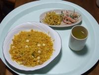 3/31 昼食 チーズ入りドライカレー、ごぼうのサラダ、もやしとコーンのカレー炒め、緑茶
