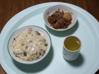 3/5 夕食 チーズリゾット風おじや、肉じゃが、ネギの味噌汁