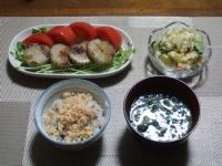3/6 夕食 すじ蒲鉾のソテー、ポテトサラダ、鮭フレークご飯、ほうれん草の味噌汁