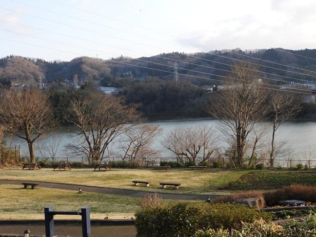 b 津久井湖
