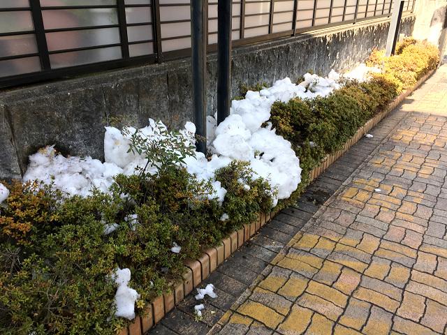 1週間経ってもまっだ雪が残る東京街中2@2018年1月31日 by占いとか魔術とか所蔵画像