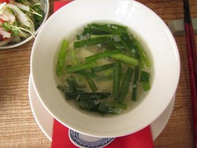 豆腐とにらのスープ