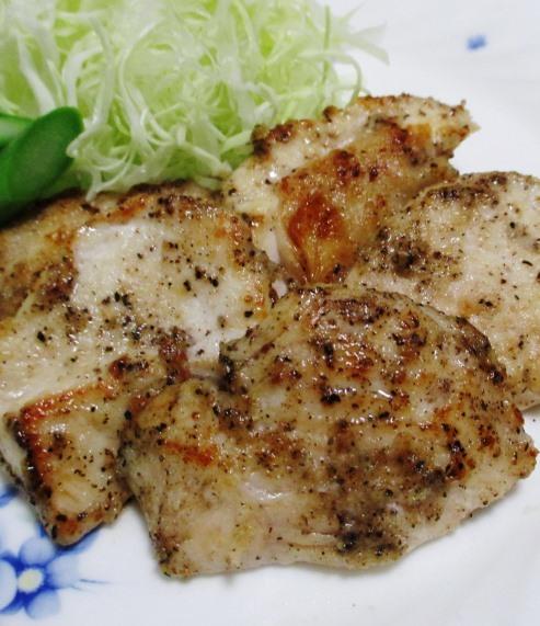 鶏むね肉の黒胡椒焼き 拡大
