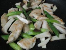 ささみとアスパラの花椒炒め 調理⑤