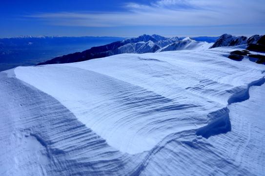シュカブラと遠く空木岳と南アルプス