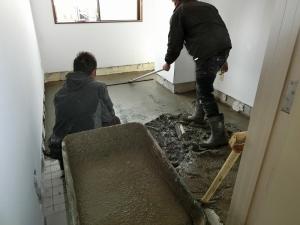控え室床 増作中(2)