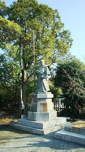 10 母里太兵衛の銅像