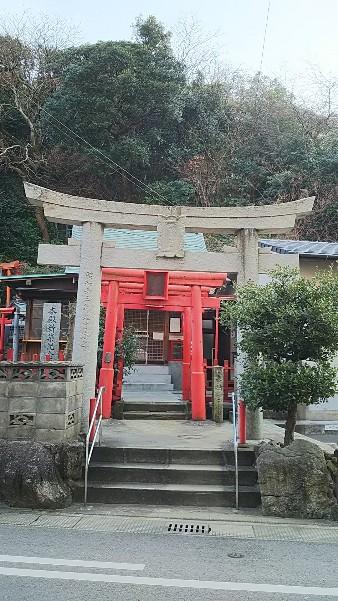 19 黒瀬神社 鳥居から拝殿