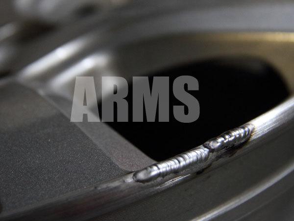 ホイールの傷をアルミ溶接で修復