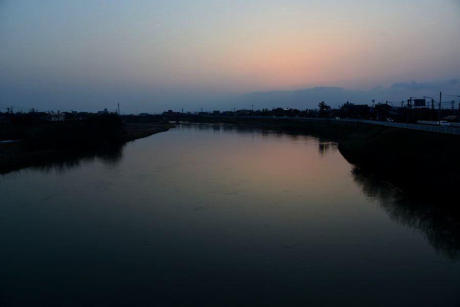 河の夕暮れ-1