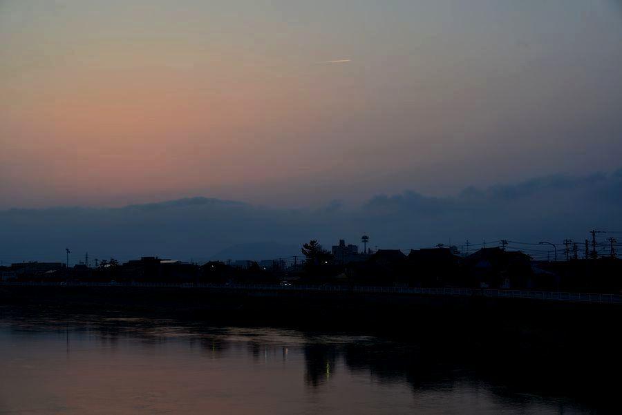 河の夕暮れ-4