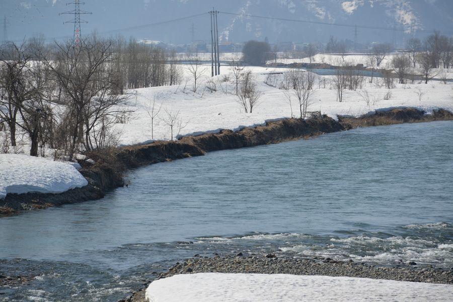 雪解け 魚野川-1