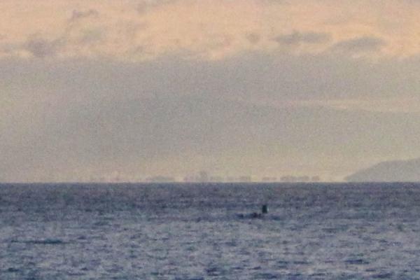 駿河湾の蜃気楼と潜水艦か_20180324