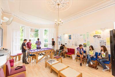 B3 Abon House Common Room_R