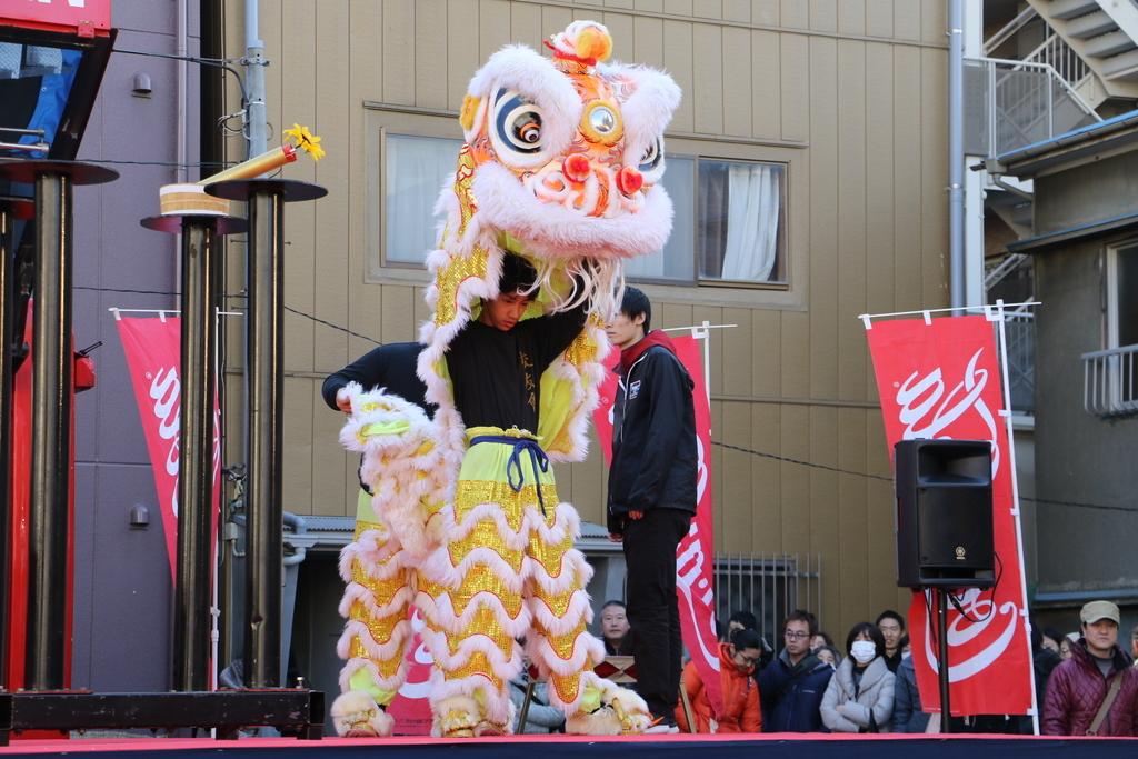 横濱中華學院校友会の獅子舞(1)_11