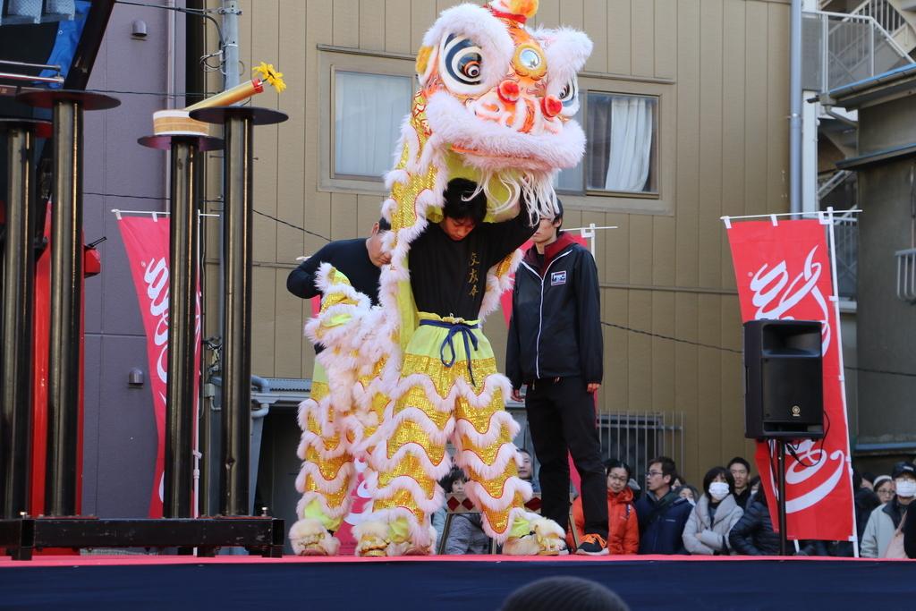 横濱中華學院校友会の獅子舞(1)_12