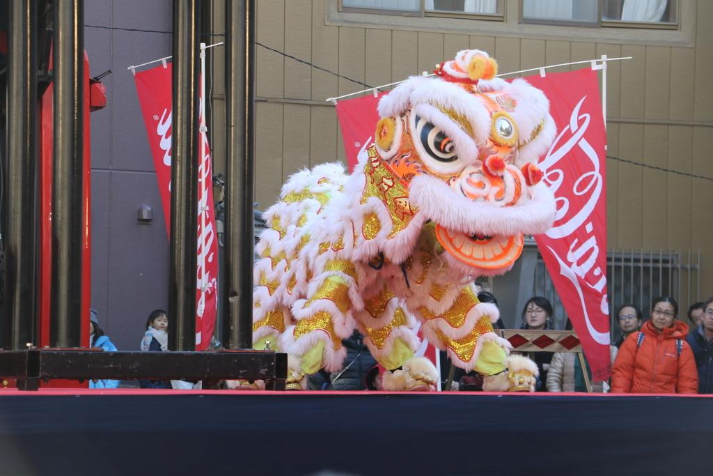 横濱中華學院校友会の獅子舞(2)_15