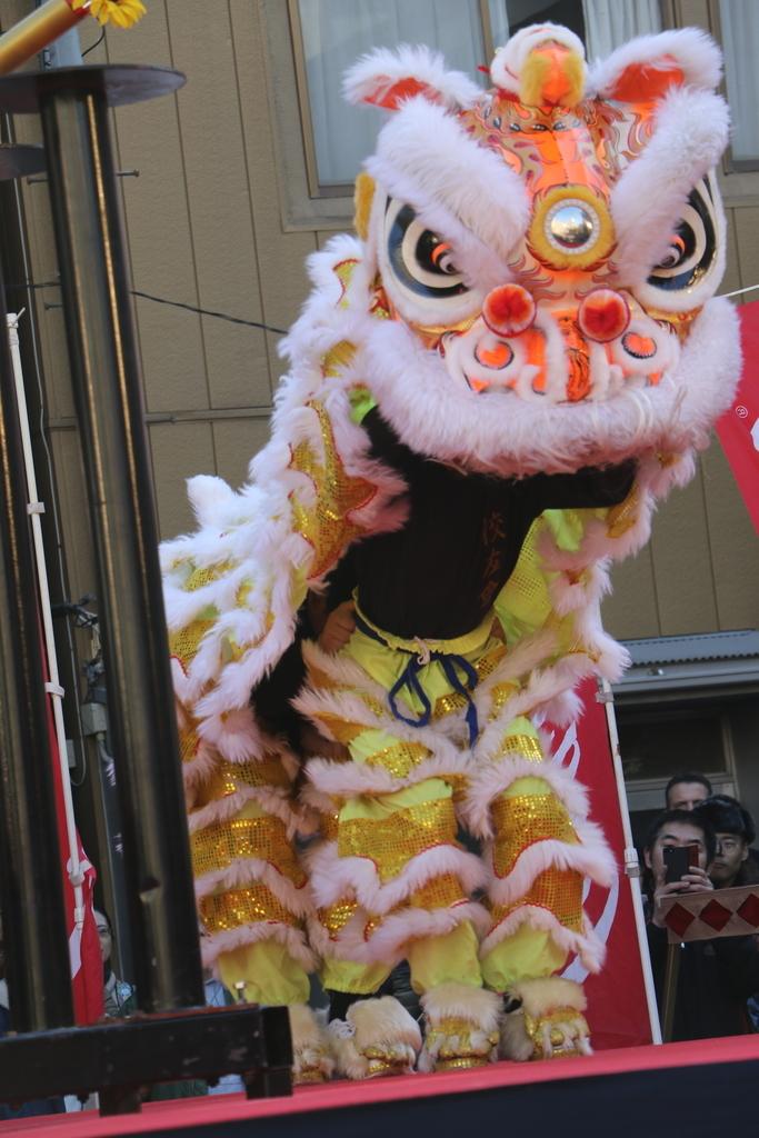 横濱中華學院校友会の獅子舞(2)_24
