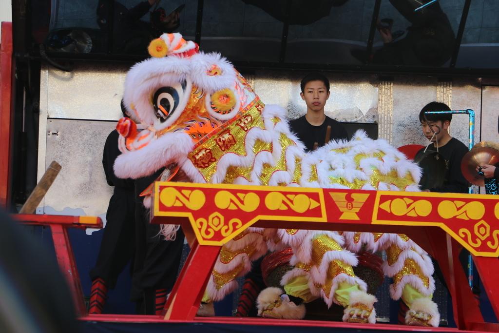 横濱中華學院校友会の獅子舞(3)_6
