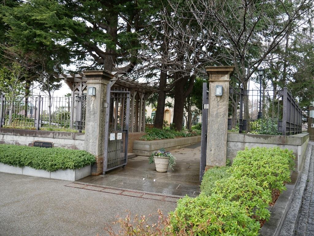 門扉の辺り_1
