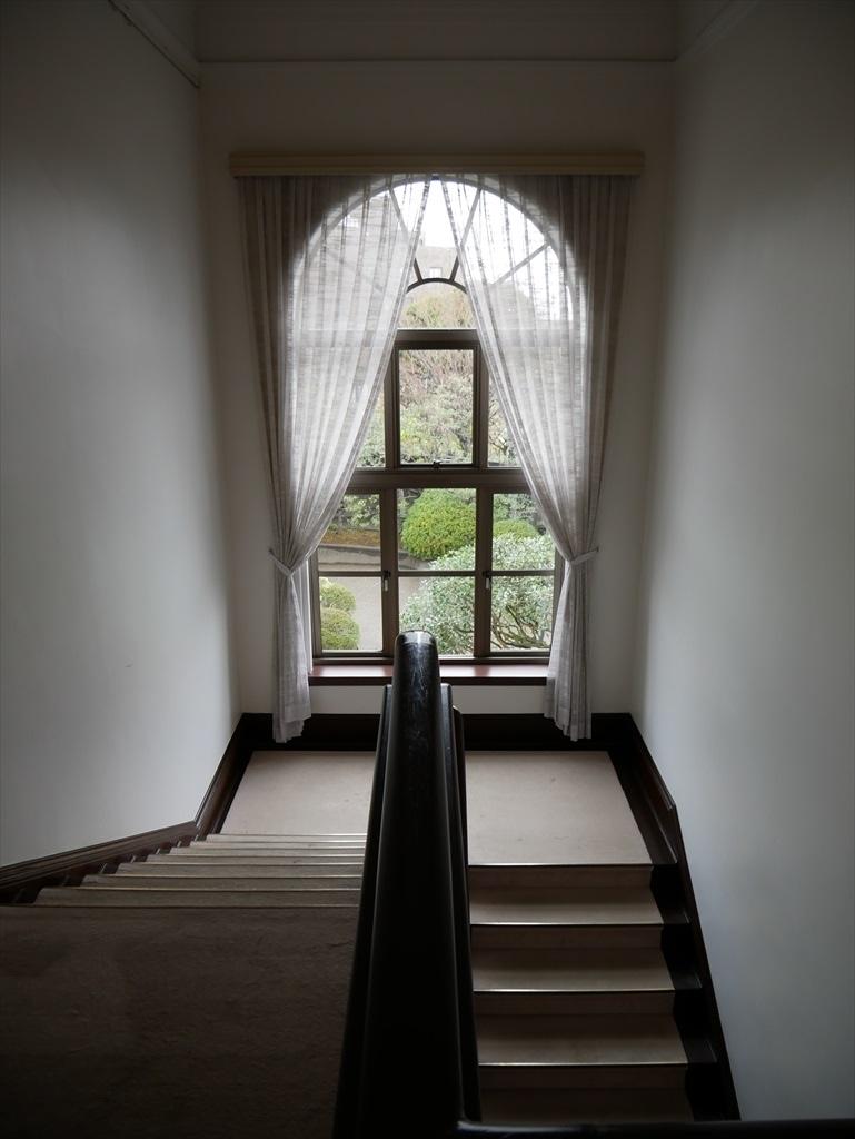 階段の踊り場から_2