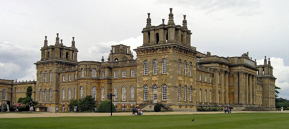1000px-Blenheim_Palace_cropped.jpg