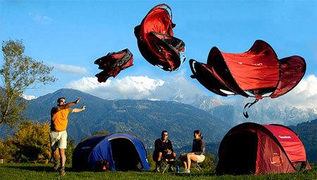 フランスのQuechua(ケシュア)のポップアップテント2