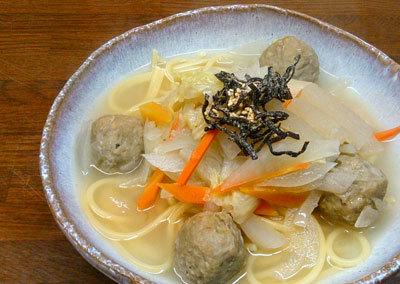 鰯のつみれと野菜の和風スープスパゲッティ