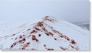48EC9CF200000578_5357367_imageアルジェリアの砂漠の町は今年2回目の雪に覆われて