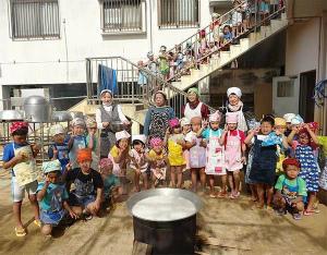 7cfcd1746f27da4848d613a3ca0d24c7沖縄の保育園で48年続く「ゆし豆腐」作り