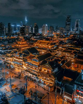 DWrOsuTU8AAJVHH上海をドローンから見下ろす
