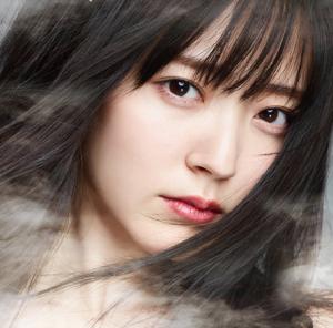 鈴木愛理1stアルバム『Do me a favor』初回限定盤